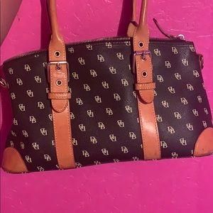 Dooney & Bourke handbag very good condition
